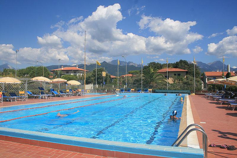 Pool und Country Club